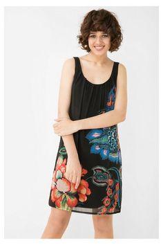 Vestido negro de tirantes Desigual. ¡Descubre la colección otoño-invierno 2016!