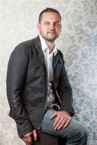 Fco. Javier Delgado Afonso, artesano vidriero.