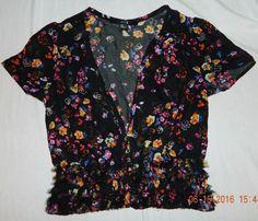 XXI Boho Sheer Crop Ruffle Button Close Bottom Top Black Floral S #XXI #CropTop