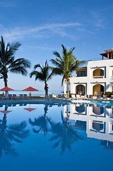 Plaza Pelicanos Grand Beach Resort
