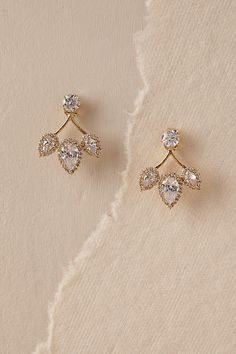Bridal Jewelry BHLDN's Theia Jewelry Trifecta Post Earrings in Gold - A trio of crystal teardrops suspend from a single glittering orb. By Theia Jewelry Style Heart Jewelry, Gold Jewelry, Fine Jewelry, Women Jewelry, Fashion Jewelry, Gold Bracelets, Vintage Jewelry, Cartier Jewelry, Jewelry Stand