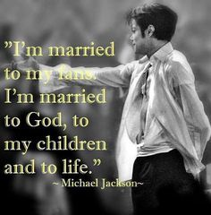 Image shared by Make A Better Place. Find images and videos about michael jackson, mj and king of pop on We Heart It - the app to get lost in what you love. Michael Jackson Smile, Michael Jackson Quotes, Jackson Family, Jackson 5, Paris Jackson, Mj Quotes, Jordan Quotes, Quotes Motivation, King Of Music