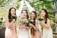 Fotoshooting Boho-Chic im Gewächshaus 2015! Blumendekorationen von FLORICA.eu - Fotografie Alina Cürten von http://alinacuerten.com//  sowie Konzeption und Papeterie Annika Kahl von Traufabrik https://www.facebook.com/Traufabrik/