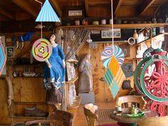 Ecléctico interior casa de poeta Pablo Neruda en Isla Negra, V región, Chile.