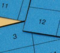 (1.-5.lk) Ajatustenlukija I « OuLUMA – Pohjois-Suomen LUMA-toiminnan foorumi - Tehtävä sisältää neljä erilaista korttia. Näiden korttien avulla saadaan yhteenlaskua hyödyntäen selville, mitä lukua ystävä on ajatellut. Tehtävässä pohditaan myös, miten nämä 4 korttia riittävät 15 luvun muodostamiseen? Maths, School