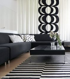 BUY - Marimekko fabric -Kaivo-Design Maija Isola-Maija Isola got the idea for the Kaivo fabric at a well. She dropped the pail in by accident and was mesmerised by the living rings that formed on the surface of the water. Marimekko, Style At Home, Inside A House, Scandinavian Style Home, Home And Living, Living Room, Interior Decorating, Interior Design, White Houses
