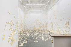 christopher-chiappa-kate-werble-gallery-fried-eggs-livestrong-designboom-09