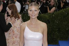 Gwyneth Paltrow shared a photo from her friendly meal with ex-husband Chris Martin and fiancé Brad Falchuk.