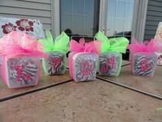 Busy Bees Blog Cute way to wrap presents for teenage girls!