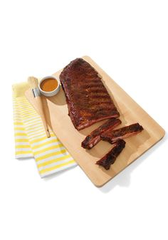 Anyone can send roses. Texas restaurant the Salt Lick will send a rack of succulent smoked ribs and tasty barbecue sauce. The recipient's job? Heat, baste, devour.