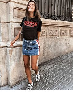 Gorgeous Denim Skirt Outfits Copy Right Clothes Denim Skirt Outfits, Komplette Outfits, Spring Outfits, Casual Outfits, Fashion Outfits, Outfits With Jean Skirt, Black Denim Skirt Outfit, Outfit With Skirt, Fashion Clothes