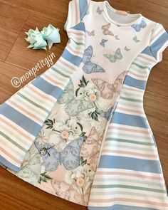 A imagem pode conter: listras Baby Girl Dress Patterns, Little Dresses, Little Girl Dresses, Girls Dresses, Mom Dress, Baby Dress, Baby Girl Fashion, Kids Fashion, Kids Gown