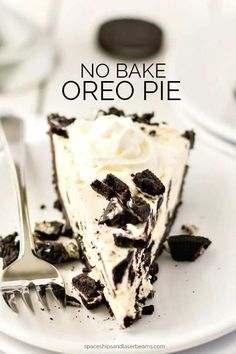 No Bake Oreo Pie - Spaceships and Laser Beams Köstliche Desserts, Frozen Desserts, Delicious Desserts, Dessert Recipes, No Bake Oreo Pie, No Bake Pies, Oreo Dessert, Oreo Cream Pies, Baking Recipes