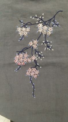 Floral embroidery for the edge of my Japanese quilt - embroidery # .- Blumenstickerei für den Rand meiner japanischen Steppdecke – Floral embroidery for the edge of my Japanese … - Embroidery On Kurtis, Hand Embroidery Dress, Embroidery Flowers Pattern, Simple Embroidery, Hand Embroidery Stitches, Japanese Embroidery, Silk Ribbon Embroidery, Crewel Embroidery, Hand Embroidery Designs