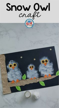 Winter crafts are perfect for kids! Try this Pom Pom Stamped Snowy Owl Painting as your next 5 minute craft. Your creative kids will love this easy craft. #wintercrafts #painting #winter #EasyCrafts