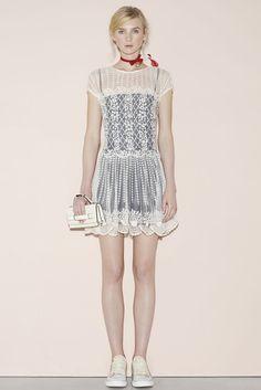 2016春夏プレタポルテコレクション - レッド ヴァレンティノ(RED VALENTINO)ランウェイ コレクション(ファッションショー) VOGUE JAPAN