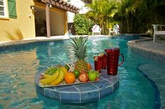 Calypso Cottage Pool with table