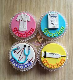 Cupcakes de médico / medicina / bata médico / recetario médico / jeringa / gracias / mensaje