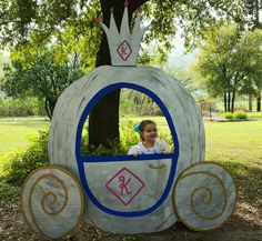 Cinderella carriage I made for my daughters birthday party made out of cardboard!