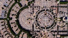 satellite-aerial-photos-of-earth. Our Lady of Almudena Cemetery in Madrid, Spain is one of the largest cemeteries in the world. The number of gravesites – estimated at five million – is greater than the population of Madrid itself. Satellite Photos Of Earth, Photo Satellite, Earth Photos, Ville New York, Aerial Images, Birds Eye View, Photo Projects, Our World, Aerial Photography