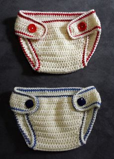 This is an easy pattern starting with the top band, continuing all of the way around to the opposite end by using simple hdc stitches. Then the border is worked in sc stitches, and finished off by sewing on 2 buttons. Make it all one color, or add a sporty stripe.