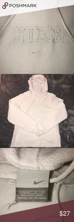 Vintage Nike Hoodie Vintage Nike Sweater. Great condition. No rips stains or tears. Fits a womens small. Nike Sweaters
