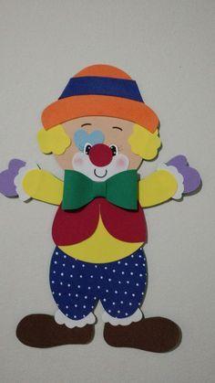 arte em eva Kids Crafts, Clown Crafts, Arts And Crafts, Paper Crafts, Clown Images, Wall Hanging Crafts, Class Decoration, Kindergarten Art, 3d Cards
