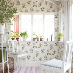 Sandberg wallpaper: First large image of Rosanna Pink Shabby Vintage, Vintage Decor, Rustic Decor, Shabby Chic Interiors, Shabby Chic Homes, Granny Chic, Shabby Chic Kitchen, Girl Decor, Beautiful Wall