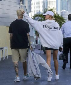 Justin Beiber Hair, Hayley Bieber, Justin Bieber Outfits, Justin Bieber Style, Couple Outfits, Fall Outfits, Hailey Baldwin Style, Winter Fits, Celebrity Outfits