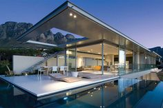 First Crescent Stunning Vacation House | South Africa