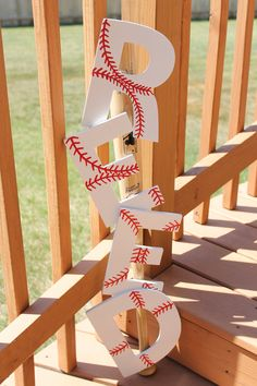 Allen Allen Kissinger Not sure if baseball will ever be a theme for you, but this was too cute! (Baseball painted letters screwed to a bat; another cute idea for a lil boys room. Boy Room, Kids Room, Baseball Painting, Just In Case, Just For You, Baseball Birthday Party, Softball Party, Lil Boy, Baby Boy
