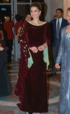 royal-roaster: Rania in red velvet gown