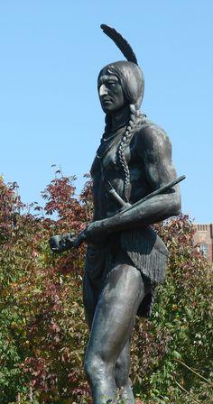 Plaza Statue by angelandspot.deviantart.com on @deviantART