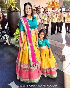 Mother daughter matching outfits ideas for wedding season - Indian Fashion Ideas Mom Daughter Matching Dresses, Mom And Baby Dresses, Dresses Kids Girl, Kids Outfits, Indian Designer Outfits, Indian Outfits, Indian Clothes, Kids Lehenga, Lehenga Kurta