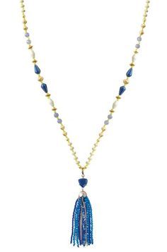 Wear this necklace during a day out on the beach or out with the girls. Dress it up or dress it down with this versatile vintage necklace from Stella & Dot.