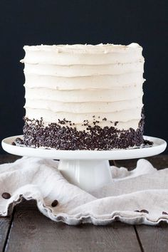 The perfect pairing of coffee & Baileys in this delicious layer cake. A vanilla cake layered with dark chocolate ganache and a coffee Baileys buttercream. Vanilla Buttermilk Cake, Vanilla Cake, Cake Cookies, Cupcake Cakes, Cupcakes, Baileys Cake, Cake Recipes, Dessert Recipes, Frosting Recipes