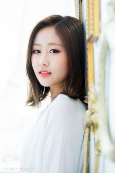 lovelyz in wonderland Kpop Girl Groups, Korean Girl Groups, Kpop Girls, Group Roles, Seo Jisoo, Woollim Entertainment, Seolhyun, Hip Hop Fashion, First Girl