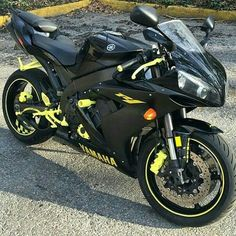 YAMAHA R1 Super Bikes, Yamaha Motorcycles, Yamaha R1, Custom Sport Bikes, Speed Bike, Street Bikes, Motorcycle Gear, Cool Bikes, Ducati