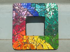Rainbow mosaic frame - application to painter's pallet