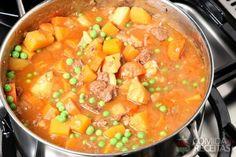Sopa de legumes com carne.