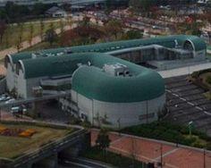 Kitakyushu Central Library / Arata Isozaki