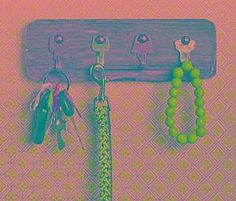 DIY Key Holder : DIY Repurpose: Key Rack From Old Keys Mail And Key Holder, Old Keys, Key Rack, Step By Step Instructions, Diy Tutorial, Repurposed, Cord, Tutorials, Craft