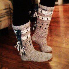 http://img.loveitsomuch.com/uploads/201301/09/cr/crochet%20slipper%20boots-t52482.jpg