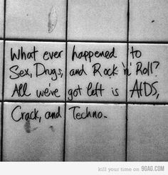 rock & roll ... come back!! ITS TRUE. COME BACK LED ZEPPELIN <3 <3 Feck off Dappy, Skepta and all that shite.