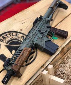 Weapons Guns, Airsoft Guns, Guns And Ammo, Tactical Guns, Ar Pistol, 45 Caliber Pistol, Battle Rifle, Custom Guns, Military Guns
