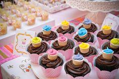 ericavighi fotografia: Aniversário da Amanda: Cupcake party!! Mini Cupcakes, Wedding Cupcakes, Cupcake Ideas, Sugar, Desserts, Food, Milk Bath, Cupcake Party, One Year Anniversary