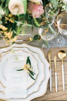 When you have a destination like the Malibu Hills act as your muse, you get a luxe vogue wedding story overflowing with inspiration. Contemporary Wedding Inspiration, Garden Wedding Inspiration, Outdoor Wedding Decorations, Table Decorations, Storybook Wedding, Lake Como Wedding, Wedding Plates, Italian Villa, Table Set Up