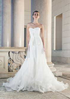 Shoulder-Free Wedding Dress with wide detachable tulle skirt by Giuseppe Papini
