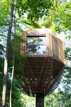 Atelier LAVIT have designed the ORIGIN Tree House for their clients in France who wanted to have a unique cabin.  ORIGIN is an exceptional cabin, a unique and tailor-made project. The architectural challenge for Atelier LAVIT was to create a functional and comfortable hotel room, being faithful to