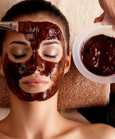 Coffee face masks can brighten up dull skin when applied regularly, and is ideal for any skin type. Coffee packs rejuvenates the skin with antioxidants.